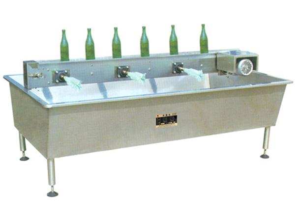 3 六头水槽式刷瓶机.jpg